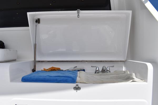 2005 Ricker 51' Custom Sportfish Fin Chaser | Picture 6 of 73