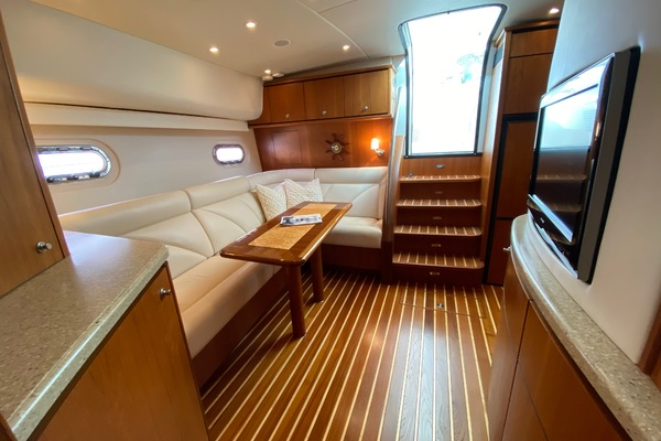 Picture Of: 43' Tiara 4300 Sovran 2011 Yacht For Sale | 2 of 34
