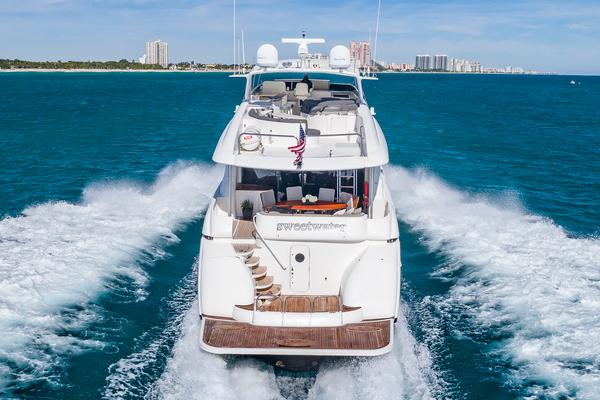 Picture Of: 80' Lazzara 2004 Yacht For Sale | 4 of 47