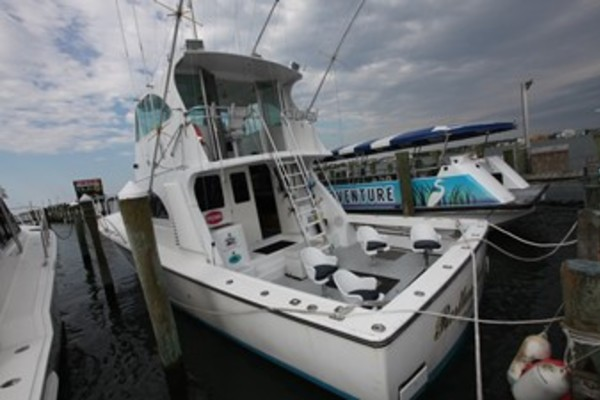 50' Henriques 50 Enclosed Bridge Convertible 2004 | Restless Lady Ii