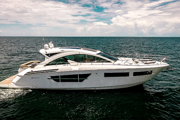 59' Cruisers Yachts 60 Cantius 2017 | Dilly Dilly