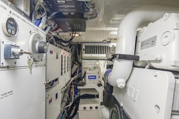 2006 Hatteras 64' 64 Motoryacht PLEXI VII   Picture 5 of 76