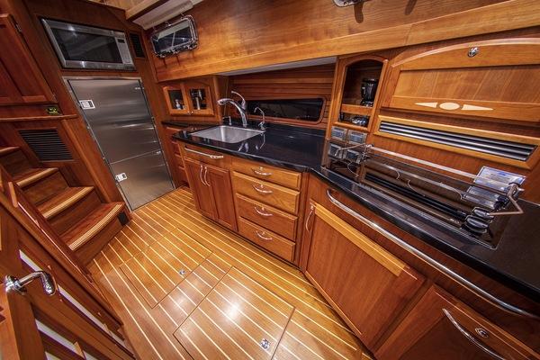 2016 Sabre 48' 48 Salon Express Delta V | Picture 7 of 51