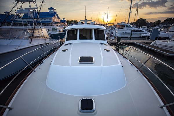 Picture Of: 48' Sabre 48 Salon Express 2016 Yacht For Sale | 4 of 51