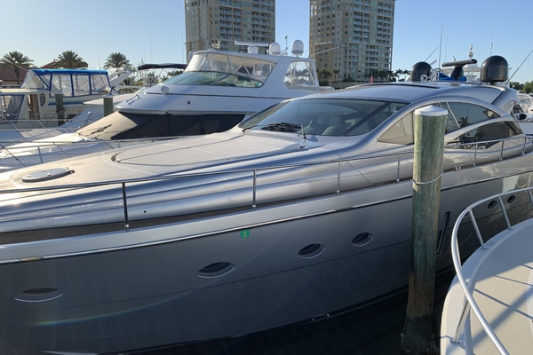 62' Pershing Cruiser 2008 | Bluewater Ii