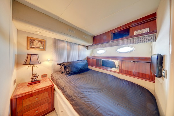 2006 Lazzara 80' 80 Skylounge  | Picture 3 of 54