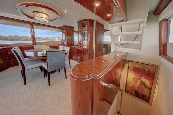 2006 Lazzara 80' 80 Skylounge  | Picture 7 of 54