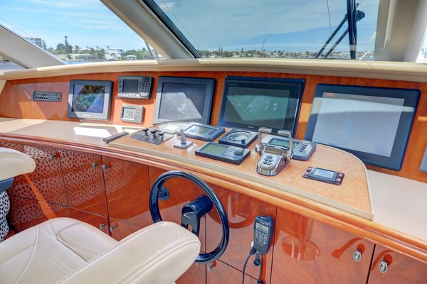 2006 Lazzara 80' 80 Skylounge  | Picture 8 of 54