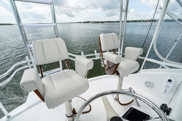 2008 Hatteras 60' 60 GT Ty Me Up | Picture 8 of 107