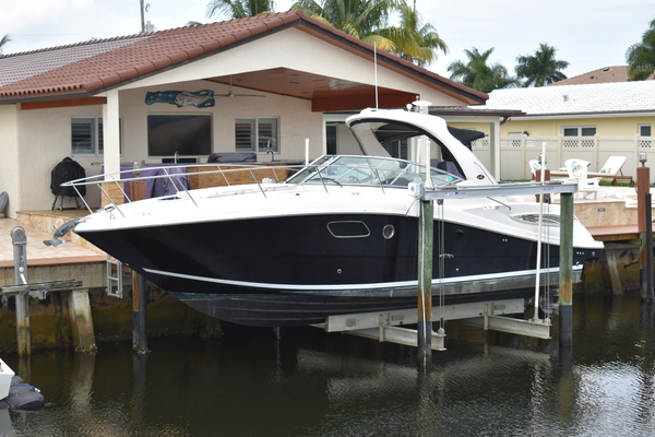 35' Sea Ray 350 Sundancer 2011 | Liquid Medication