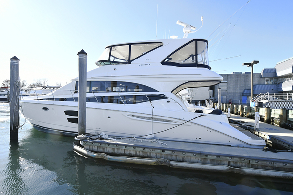 Picture Of: 44' Meridian 441 Sedan 2012 Yacht For Sale | 1 of 34