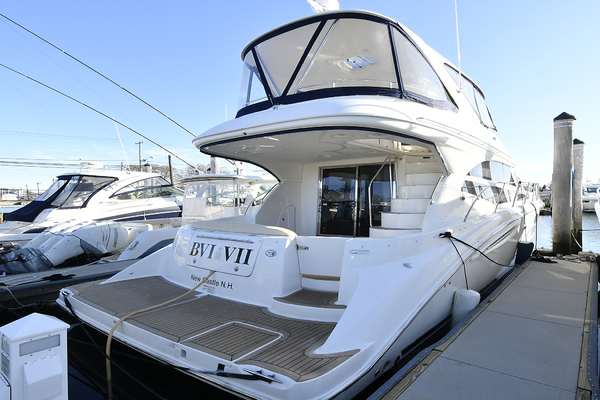 Picture Of: 44' Meridian 441 Sedan 2012 Yacht For Sale | 3 of 34