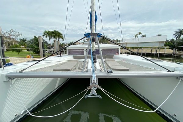 Picture Of: 45' Lagoon 450 F 2014 Yacht For Sale | 3 of 62