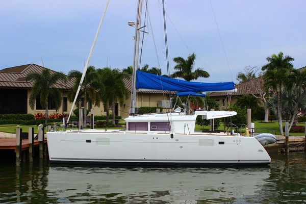 Picture Of: 45' Lagoon 450 F 2014 Yacht For Sale | 1 of 62