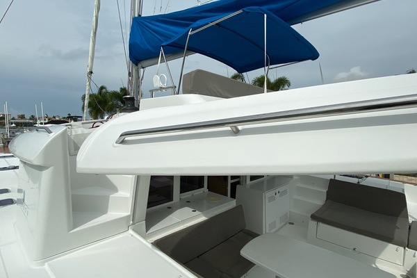 Picture Of: 45' Lagoon 450 F 2014 Yacht For Sale | 4 of 62