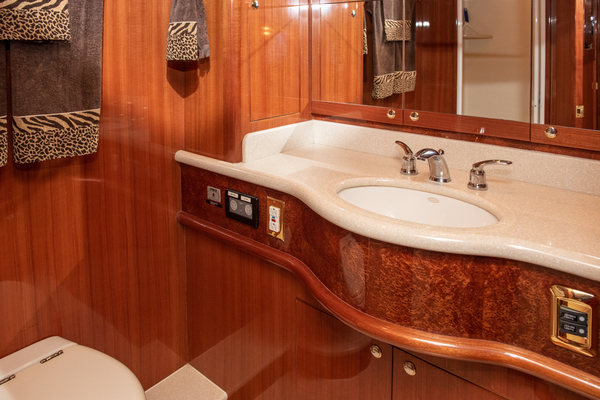 2009 Hampton 60' Motor Yacht Yes It's Necessary | Picture 5 of 45