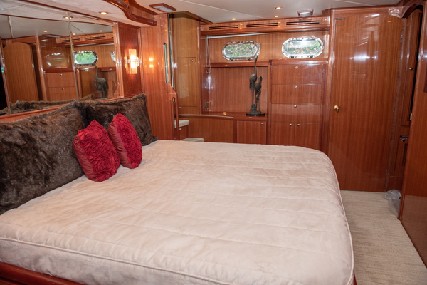 2009 Hampton 60' Motor Yacht Yes It's Necessary | Picture 4 of 45