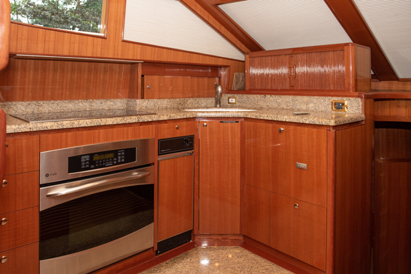 2009 Hampton 60' Motor Yacht Yes It's Necessary | Picture 6 of 45