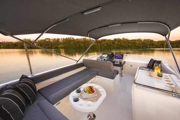 2020Riviera 39 ft 39 Open Flybridge