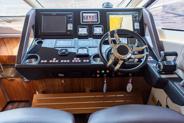 Picture Of: 60' Sunseeker Manhattan 2015 Yacht For Sale   2 of 59