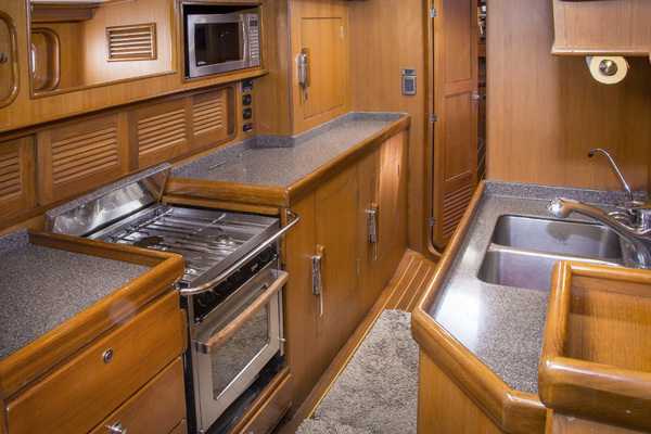 2006 Tayana 58' Tayana 58 REVERENCE | Picture 8 of 28