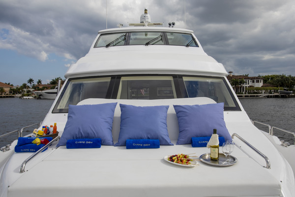 Picture Of: 73' Hatteras 72 2008 Yacht For Sale | 3 of 19