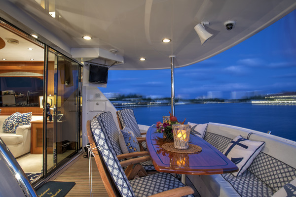 Picture Of: 73' Hatteras 72 2008 Yacht For Sale | 3 of 21