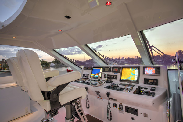 Picture Of: 73' Hatteras 72 2008 Yacht For Sale | 4 of 19
