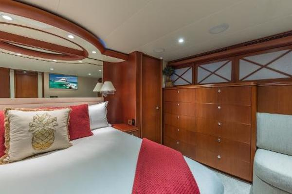 2007 Cheoy Lee 88'  OCULUS | Picture 2 of 60