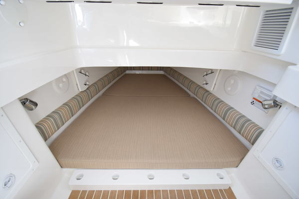 Picture Of: 33' Regulator 34SS 2018 Yacht For Sale | 3 of 24