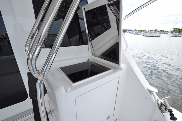 Picture Of: 63' Hatteras 63GT 2016 Yacht For Sale | 3 of 84