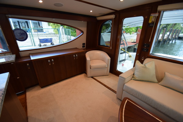 2016 Hatteras 63' 63GT  | Picture 6 of 84