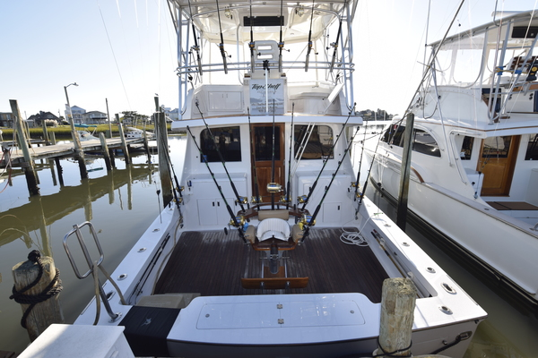 Picture Of: 46' Hatteras 46 Sportfish 1979 Yacht For Sale | 2 of 103