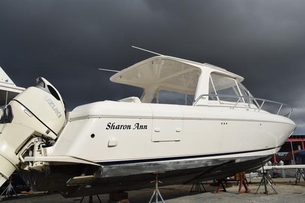 39' Intrepid Sport Yacht With Seakeeper Gyro 2010 | Sharon Ann