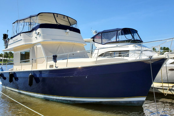 47' Mainship 430 Sedan 2006 | Windy Cove Ii