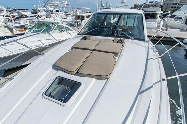 2010 Regal 52' 5260 Sport Coupe Liza Jane | Picture 3 of 47