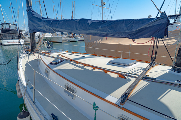 Picture Of: 33' Freedom 33 Cat Ketch 1982 Yacht For Sale | 4 of 50