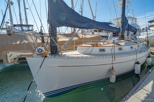 Picture Of: 33' Freedom 33 Cat Ketch 1982 Yacht For Sale | 3 of 50