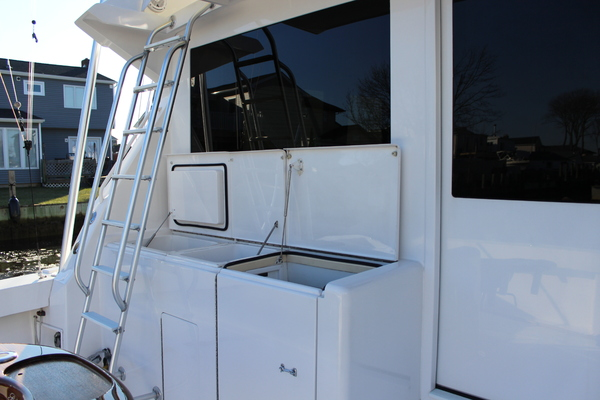 Picture Of: 43' Viking 43 Convertible 2001 Yacht For Sale | 4 of 19