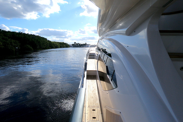 Picture Of: 70' Azimut 70 Flybridge 2012 Yacht For Sale   3 of 24