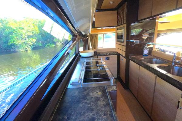 2012 Azimut 70' 70 Flybridge BT 2 | Picture 7 of 24
