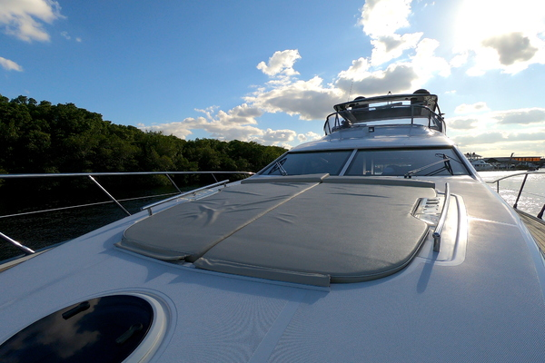 Picture Of: 70' Azimut 70 Flybridge 2012 Yacht For Sale   4 of 24
