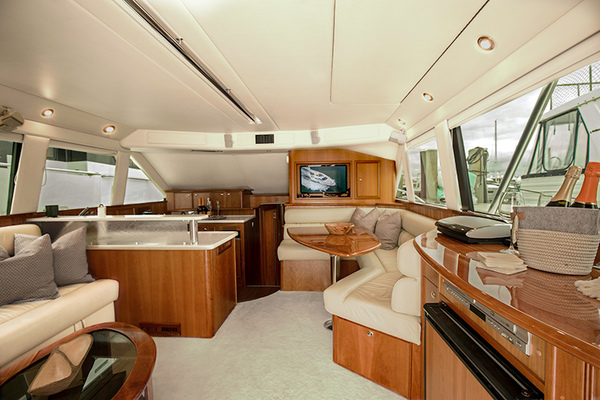 Picture Of: 47' Riviera 2006 Yacht For Sale | 4 of 30