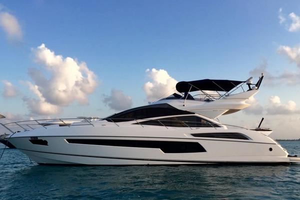 71' Sunseeker Sport Yacht 2016 | Mia