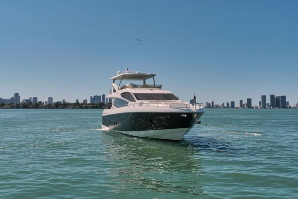 Picture Of: 73' Sunseeker Manhattan 2014 Yacht For Sale | 3 of 59