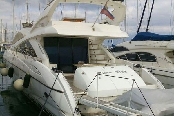 Picture Of: 72' Sunseeker Manhattan 2006 Yacht For Sale | 4 of 16