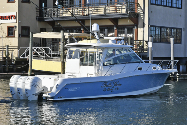 Picture Of: 35' Boston Whaler 345 Conquest 2016 Yacht For Sale | 4 of 36