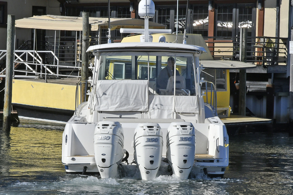 Picture Of: 35' Boston Whaler 345 Conquest 2016 Yacht For Sale | 3 of 36