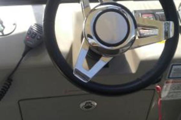 Picture Of: 37' Sea Ray Sundancer 2016 Yacht For Sale | 4 of 10