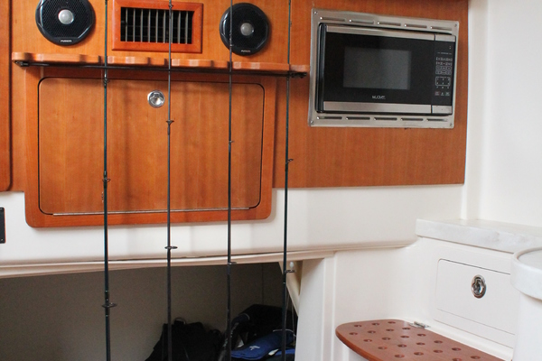 Picture Of: 37' Grady-White 376 Canyon 2017 Yacht For Sale   4 of 36